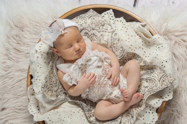 Newborn Baby Photographer in Voorhees New Jersey